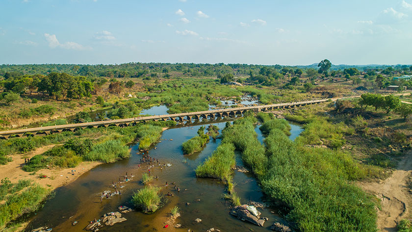 With support from the Integrated Feeder Roads Development Project, the Lua Lua River Bridge was repaired, along with dozens of other bridges and hundreds of kms of roads. Photo: Mozambique National Roads Administration
