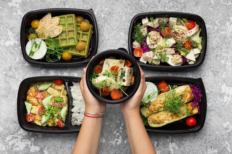 5 healthy food delivery options in containers